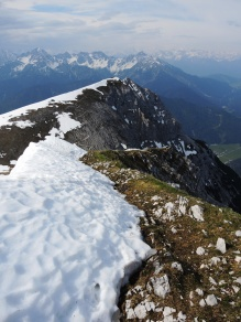 Ende der Laufstrecke - Beginn des Mittenwalder Höhenwegs