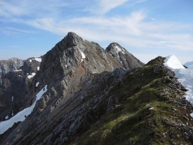 Blick Richtung Kirchlspitze, der erste Höhepunkt des Mittenwalder Höhenwegs