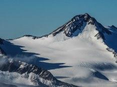 Die Kreuzspitze (3455 m) grüßt herüber