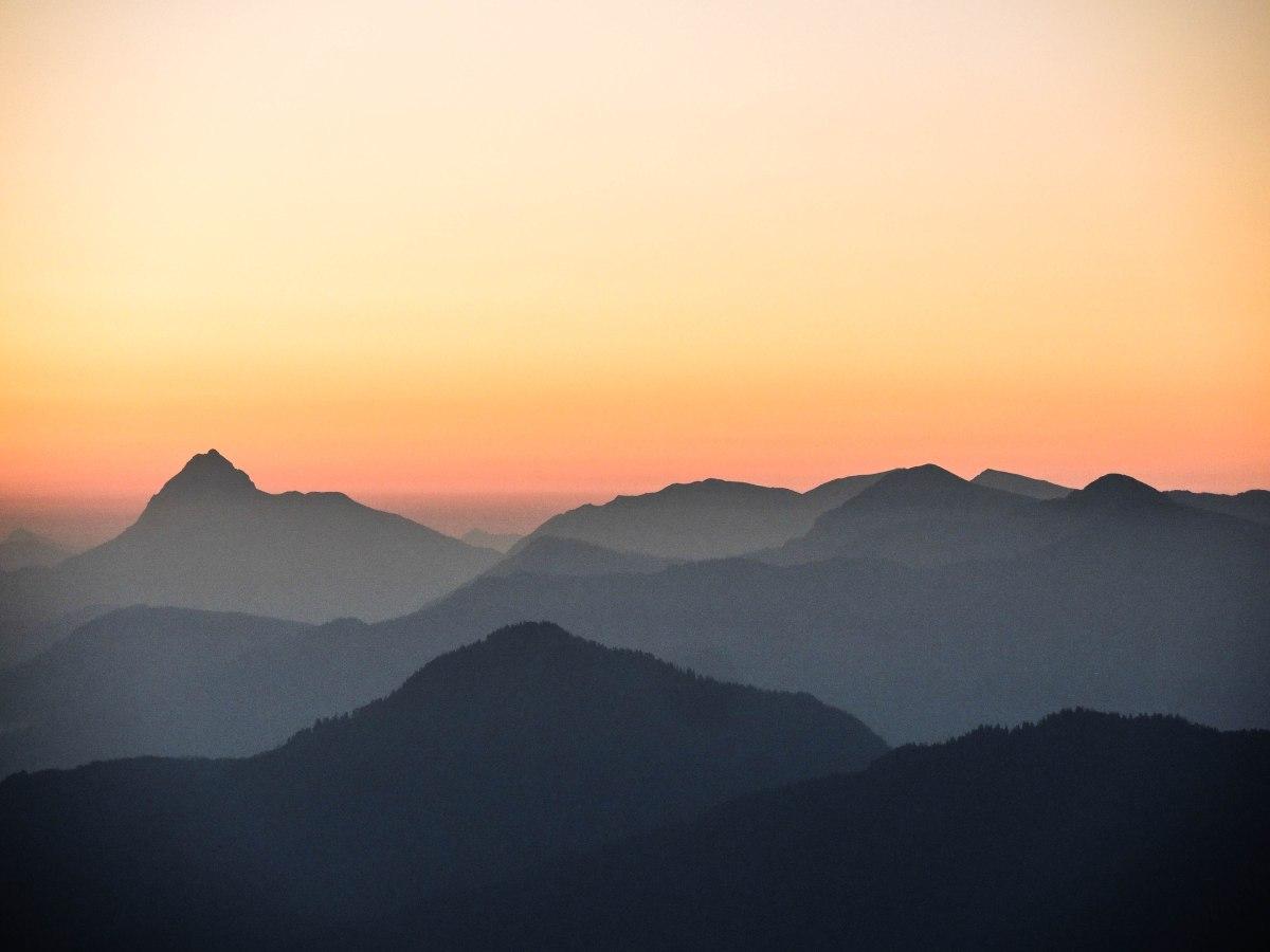 Sonnenaufgang an Heimgarten undHerzogstand
