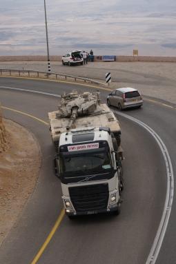 Panzertransport auf israelisch.