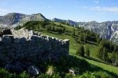 Der seit rund 50 Jahren aufgelassene Kotzen-Hochleger auf rund 1.740 Metern ist eine der höchstgelegenen Almen im Landkreis Töl-Wor.