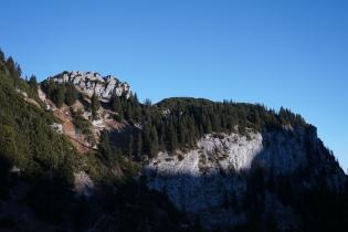 Hennenkopf (links) und Probstenwand